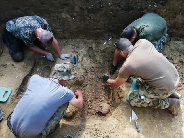 Prace archeologiczne na cmentarzu z okresu I wojny światowej przy ul. Kasztanowej w Przemyślu.