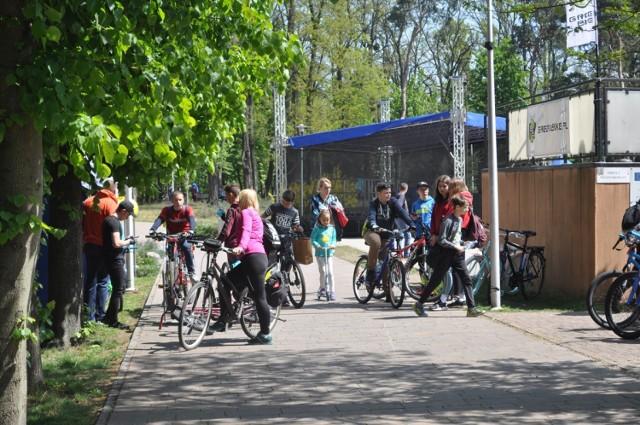 Rowerem do... Książa Wielkopolskiego - rowerzyści z całego powiatu spotkali się w ksiąskim amfiteatrze