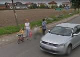 Gmina Skomlin na Google Street View. Rozpoznajesz te osoby i miejsca?
