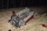 Groźny wypadek pod Polickiem. Pasażerka trafiła do szpitala. Kierowca stanie przed sądem. Auto wyląduje na złomowisku