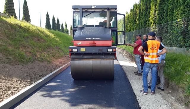 Zakończył się remont ważne drogi w Kosienicach w gminie Żurawica.