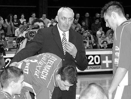 Edward Skorek rozpoczął pracę w Częstochowie od porażki. Jak będzie w następnych meczach? Fot. Irena Bazan