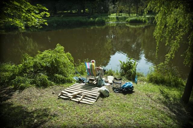 Miłośnicy przysłowiowego moczenia kija pytają, jak to jest z możliwością łowienia ryb w koszalińskim parku oraz na terenie Wodnej Doliny.