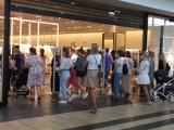 Ogromna kolejka przed sklepem ZARA w Katowicach. Ruszyły wyprzedaże