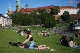 Nad Krakowem w końcu zaświeciło słońce. Mieszkańcy korzystali z ładnej pogody [ZDJĘCIA]