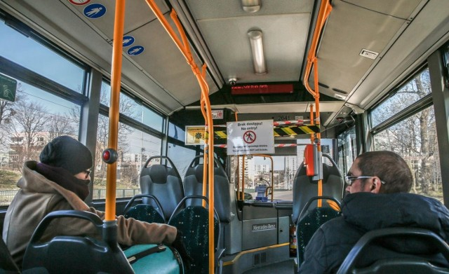 Autobusy i tramwaje w Gdańsku będą miały specjalne oznaczenia przypominające o nowych zasadach w związku z koronawirusem