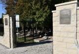 Zakończył się remont ogrodzenia Cmentarza Wojskowego w Dębicy