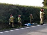 Wypadek motocyklisty na krajowej 20 koło Bytowa. Kierowca ranny