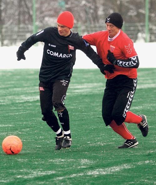 Rafał Grzyb (z prawej) zagrał w sparingu przeciw Cracovii
