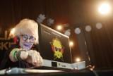 Potańcówka dla seniorów w Rzeszowie. DJ Vika rozkręciła zabawę. Senioralia rozpoczęte! [ZDJĘCIA]