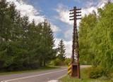 Chcą uratować zabytkowy słup telegraficzny w Żurawicy koło Przemyśla. Mają sponsorów, przygniotły ich koszty biurokracji [ZDJĘCIA]