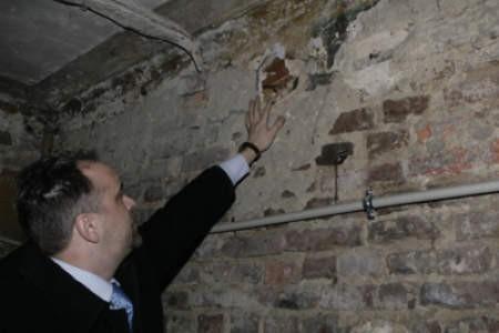 Adam Szydłowski oglądał wczoraj kolejne, odnalezione przypadkiem freski