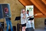 Wokaliści ze studia wokalnego działającego w Młodzieżowym Domu Kultury zaśpiewali o czterech żywiołach