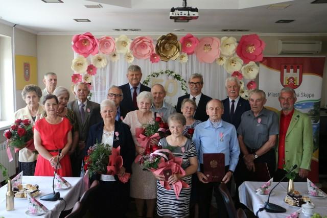 Dziesięć par z miasta i gminy Skępe świętowało jubileusz 50-lecia pożycia małżeńskiego. Złote Gody to była okazja do życzeń, ale także wspomnień.