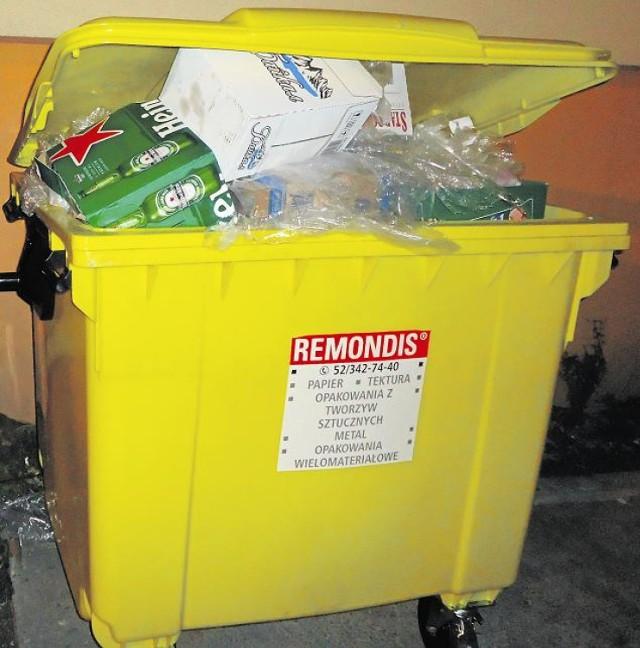 Miasto zastanawia się, czy nie zwiększyć częstotliwości odbioru odpadów segregowanych. Teraz jest to raz w miesiącu