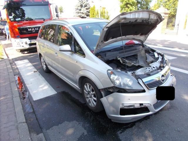Wypadek trzech pojazdów w Żydowie. Jedna z kobiet została zabrana do szpitala