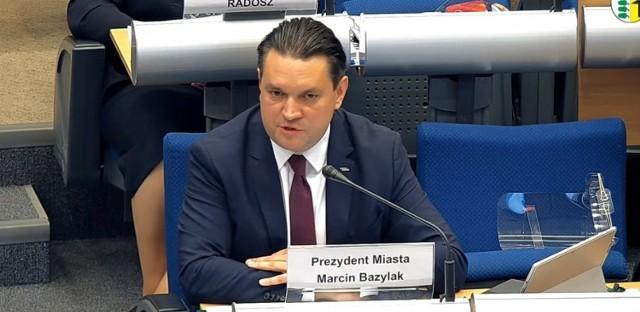 Podczas sesji Rady Miejskiej 27 maja prezydent Dąbrowy Górniczej Marcin Bazylak otrzymał absolutorium Zobacz kolejne zdjęcia/plansze. Przesuwaj zdjęcia w prawo - naciśnij strzałkę lub przycisk NASTĘPNE