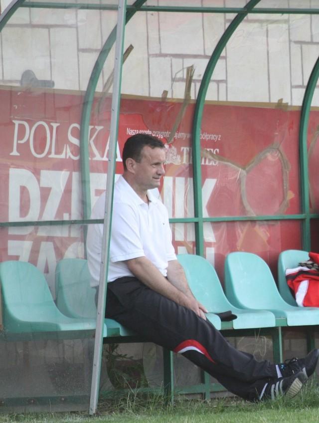 Trener Andrzej Sermak szuka młodzieżowców do swojej drużyny.