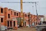 Grudziądz. Tak wygląda budowa bloków Towarzystwa Budownictwa Społecznego przy ul. Rożanowicza na os. Rządz. Zobacz zdjęcia