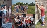 """Uczniowie """"Czwórki"""" na turystycznym szlaku. Zwiedzali Tum i skansen w Kwiatkówku ZDJĘCIA"""