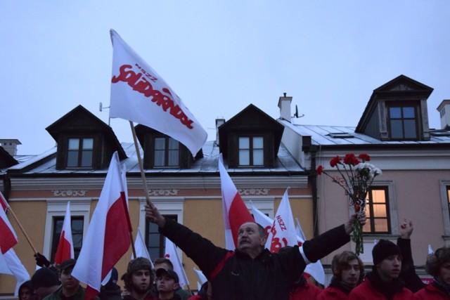 Rocznica wybuchu stanu wojennego w Zamościu. Tak wyglądała inscenizacja na Rynku Solnym