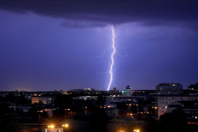 Synoptycy ostrzegają przed burzami i gradem