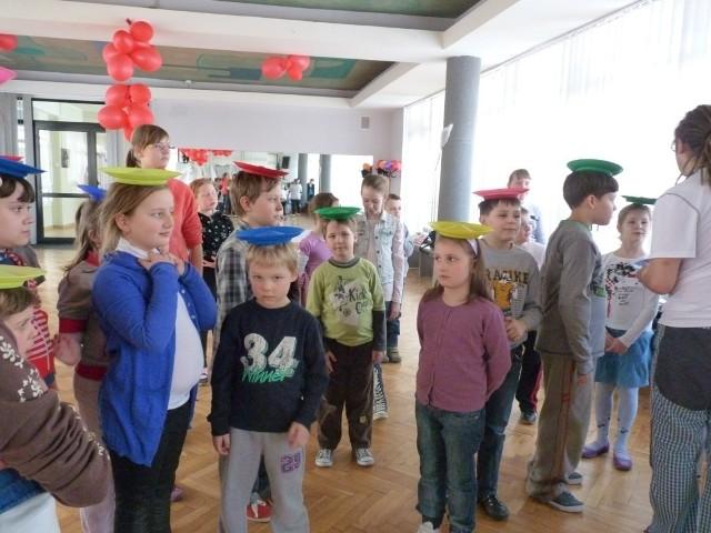 Dzieciom spodobały się zajęcia cyrkowo-żonglerskie