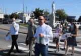 """Żnin. Szkoła """"Trójka"""" znów wychodzi na ulice. Co na to burmistrz Żnina Robert Luchowski? [komentarz]"""