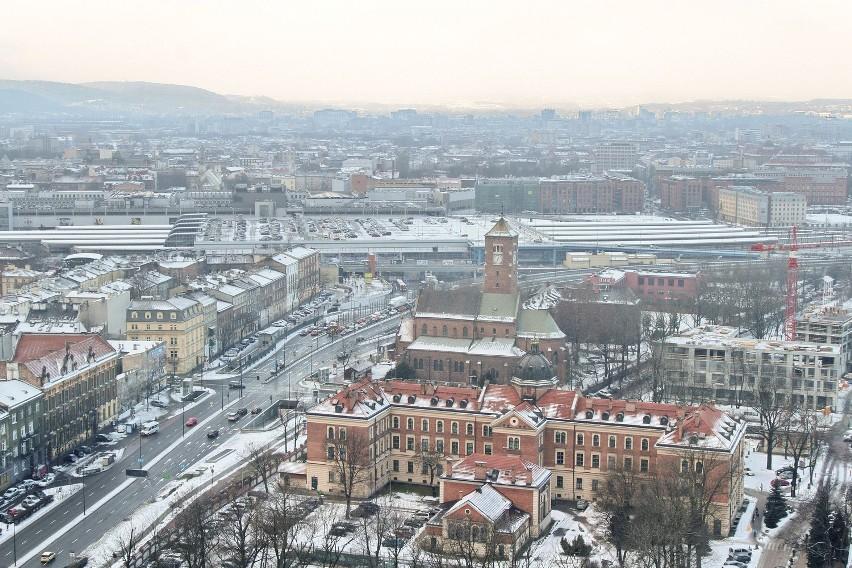 Kraków: wdrapaliśmy się na dach szkieletora. Zobacz wnętrza [ZDJĘCIA]