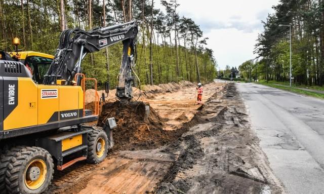 Przy wywłaszczeniu pod budowę drogi właściciele gruntów otrzymują odszkodowanie, jednak zdaniem wywłaszczonych nie zawsze jest to odpowiednia rekompensata.