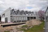 Książ Wielkopolski: kolejny sprawdziliśmy, jak wyglądają postępy prac nad salą widowiskowo-sportową w Książu