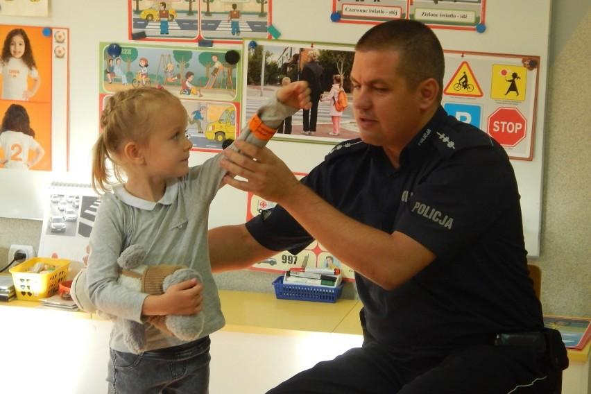 Policjant odwiedził przedszkolaków w Radziejowie [zdjęcia]