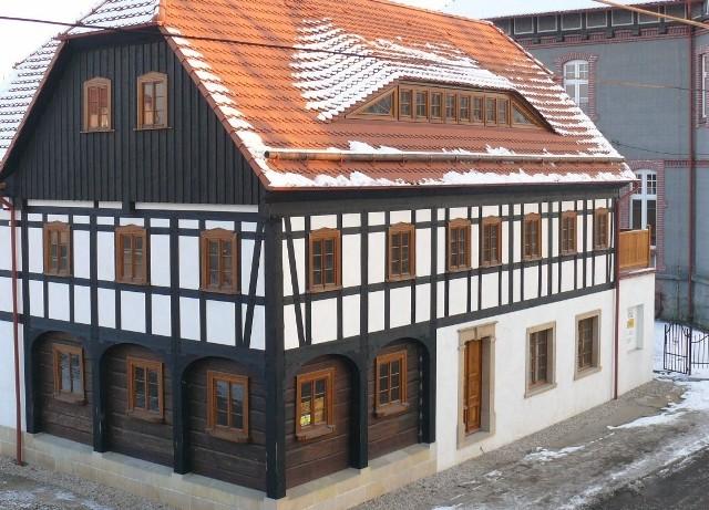 Dom przysłupowy Marcina Pilszaka zdobył nagrodę Fasada Roku 2011.