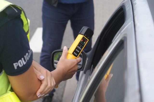 Kalisz: 20-letni mężczyzna zatrzymał pijanego kierowcę