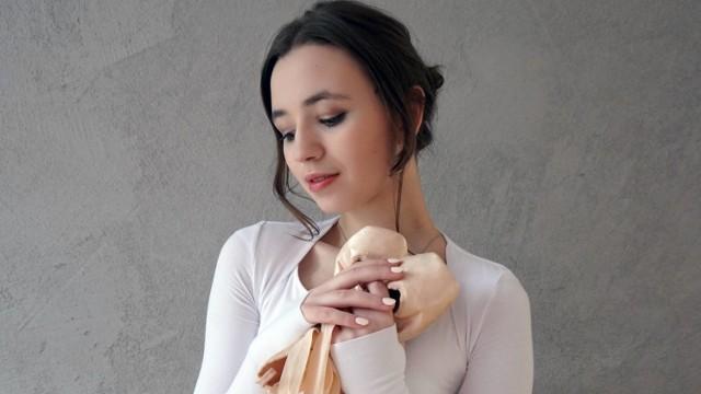 """AniKa Dąbrowska nie zwalnia tempa. Singiel """"Przyjaciółka"""" zwiastuje nową płytę młodej artystki, laureatki Voice Kids w 2019 r. [WIDEO]"""