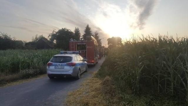 Prokuratura w Gnieźnie wszczęła śledztwo w sprawie tragicznego wypadku, do którego doszło w piątek wieczorem we wsi Głębokie (gmina Kiszkowo). 12-letni rowerzysta zderzył się wtedy z ciągnikiem. Chłopiec zmarł na miejscu. Nie wiadomo jednak, kto ponosi winę za tragiczne zdarzenie. To będą musieli wyjaśnić biegli.