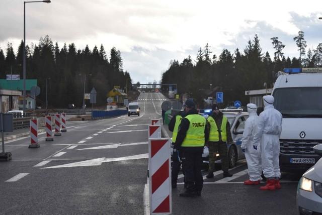 Przejście graniczne w Chyżnem pozostanie otwarte.