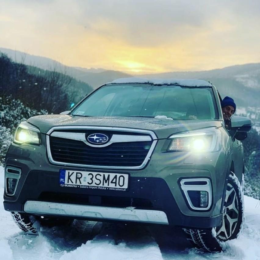Piotr Żyła jest wierny marce Subaru. Skoczek na instagramie...
