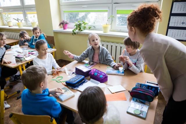 Rekrutacja do szkół i przedszkoli 2019 - kiedy rusza? Niebawem rozpoczną się zapisy do przedszkoli i klas pierwszych szkół podstawowych. Wszystko będzie odbywało się elektronicznie.