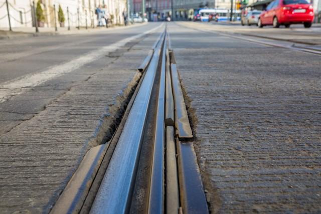 Torowisko na ul. Basztowej jest w fatalnym stanie technicznym