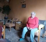 69-latka z Cząstkowa gm. Trąbki Wielkie mieszka w tragicznych warunkach. Trzeba dokończyć remont domu