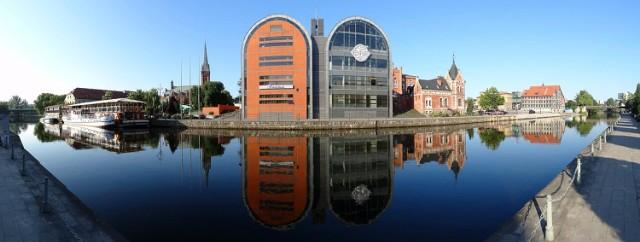 Bydgoszcz jest piękna. Mamy urocze parki, zakątki, zabytkowe budynki, klimatyczną przystań i wyspę...   Zresztą, co tu dużo pisać, sami zobaczcie zachwycające zdjęcia Bydgoszczy >>>