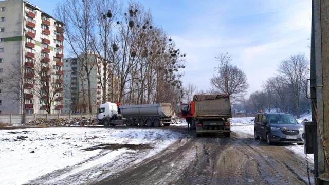 Centrum przesiadkowe Opole Zachodnie. Kończy się wycinka zieleni. Mieszkańcy pytają o nasadzenia zastępcze