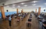 Zdaj maturę z Nowinami! Próbne arkusze do egzaminów przygotowane przez dębickich nauczycieli od poniedziałku na naszym portalu