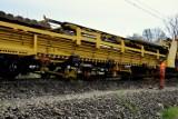 Specjalny pociąg wymieniał tory kolejowe na linii Chybie - Skoczów