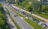 Kraków. Fatalna sytuacja na drogach: stoi centrum, mocno korkuje się A4, utrudnienia na wylotówkach. Aktualny raport [ZDJĘCIA, MAPY]