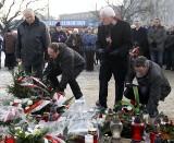 W rocznicę grudnia 70 w Gdańsku. Znicze, kwiaty i pamięć