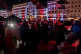 Poznań: Widowisko historyczne Światło Zwycięstwa na placu Wolności. Zobacz zdjęcia