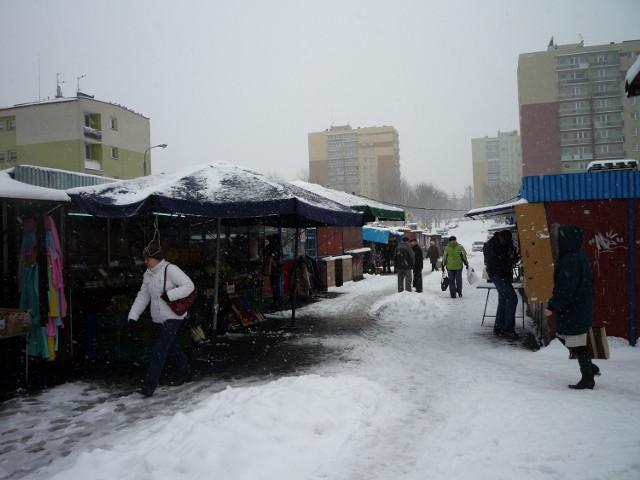 Jeszcze tylko przez dwa lata będzie można robić zakupy na targowiskach przy ul. Grodzieckiej i ul. Auby.