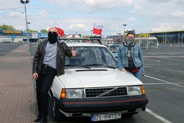 3 maja klasyczne samochody pojawiły się na ulicach Legnicy.
